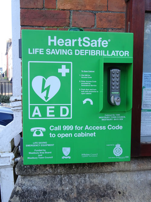 Image of a defibrillator